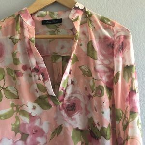 Tops - SALE Floral High-Low Blouse | Size Small
